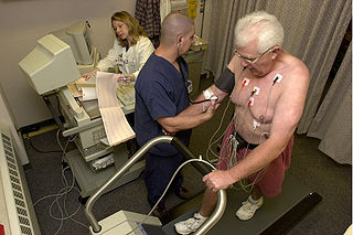 A patient undergoing a treadmill EKG stress test, hopefully for good reason. Credit: Blue0ctane / Wikipedia / public domain